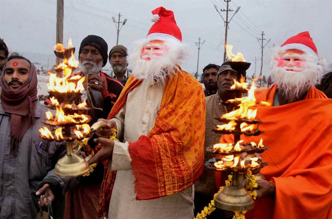 Merry Christmas in India - snowy Christmas and sizzling India
