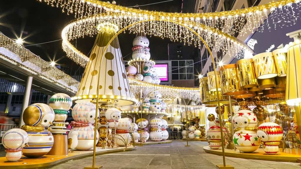 Merry Christmas in Hong Kong – Entire republic is decked up in festive decorations