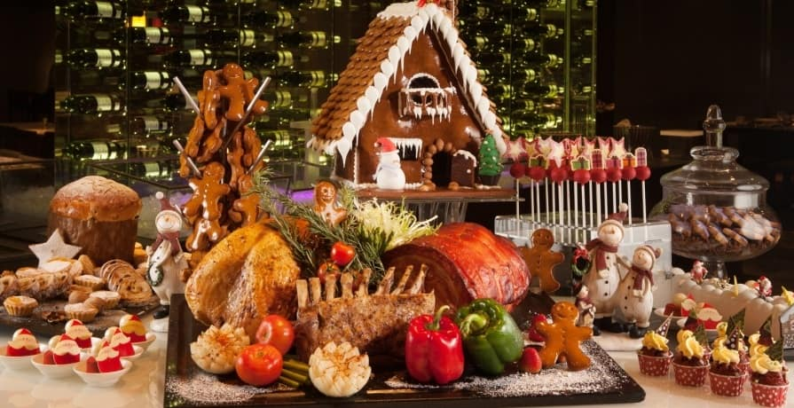 How to Celebrate Christmas in Hong Kong with friends and family?